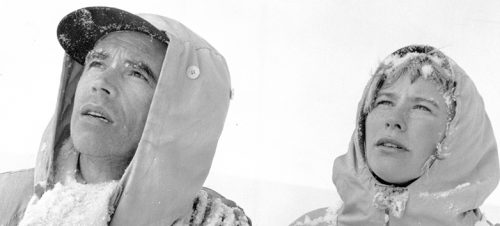 Ni liv, Arne Skouen 1957